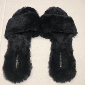 ALDO Women's Fuzzy Slides